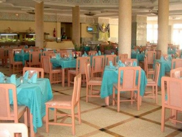 Yadis oasis kebili h tel kebili tunisie for Hotel payable en ligne