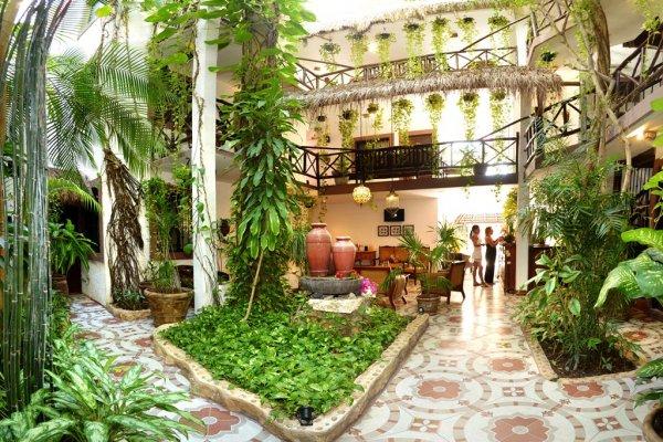 Photo 14 Mariposa Hotel